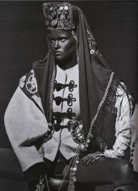 blackface-lara-stone1